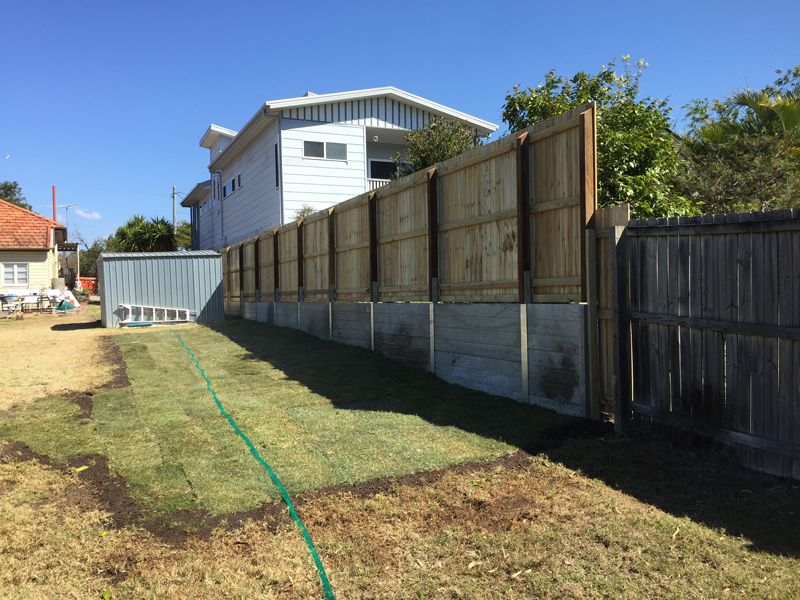 Retaining Wall and Fence on Top at back of property by Harold Projects, Mount Gravatt