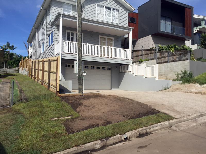 Fence installation at front, retaining wall with fence on top at back by Harold Projects, Mount Gravatt, Brisbane